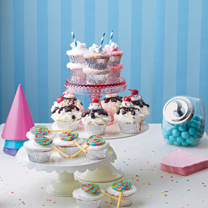 sweet-shop-cupcake-cake-recipe-photo-420-FF0311CAKE_A51